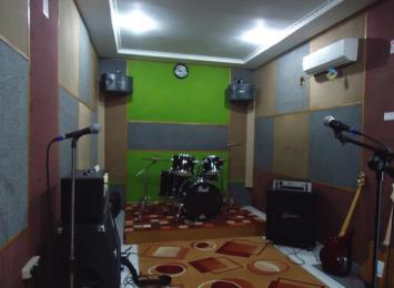 peredam suara untuk studio musik